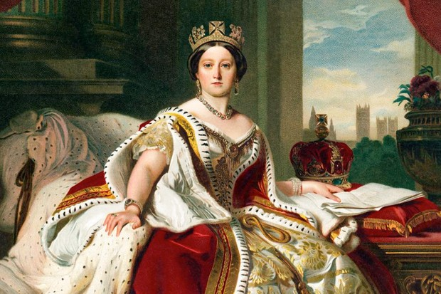 Why is Queen Victoria's Small Diamond Crown no Longer Worn